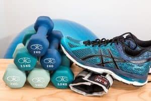 נעלי ספורט וערכות התאמנות