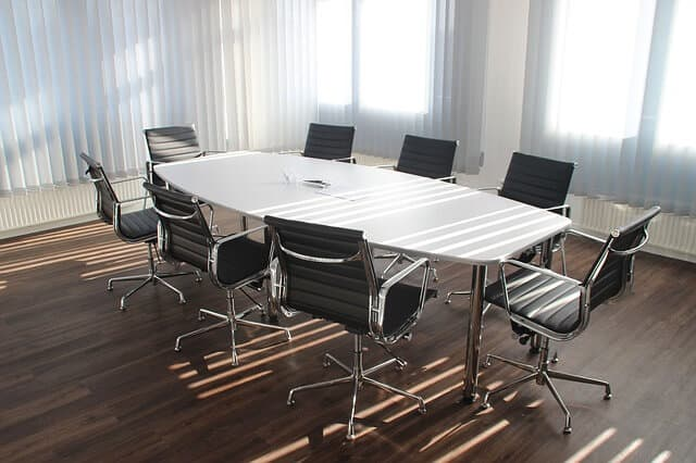 כיסאות משרדים