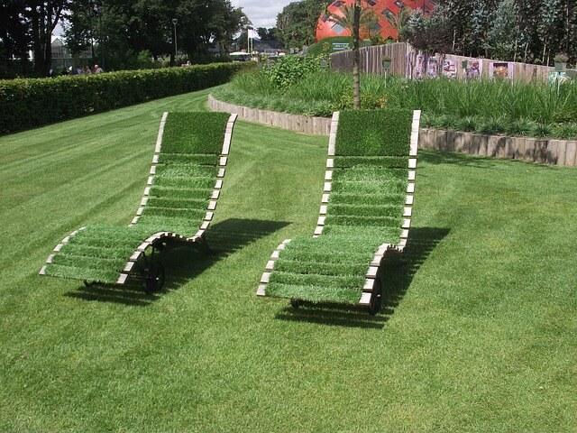 דשא סינטטי, כיסאות דשא.