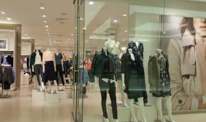 חנות, חלון ראווה, בגדים.