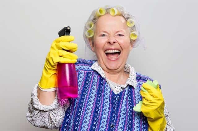 חומרי ניקוי, סבתא מחייכת