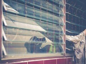 ניקוי מסילות וחלון