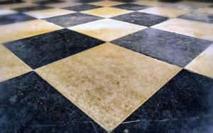 רצפת אבן מלוטשת