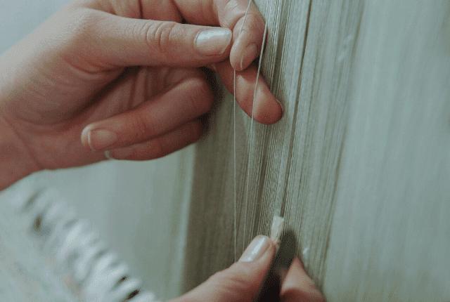 הכנת שטיח העשוי מעבודת יד