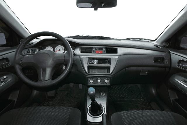 פנים הרכב, מושבים, הגה