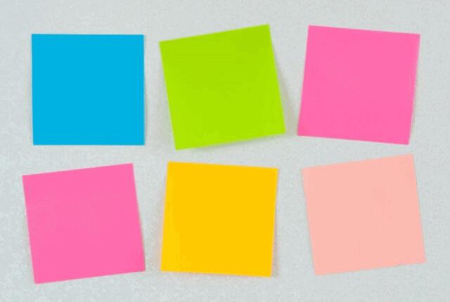 מדבקה, דבק, ניירות צבעוניים