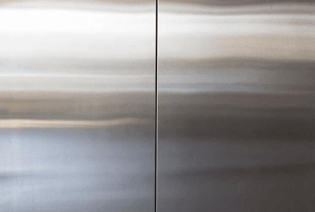 דלת נירוסטה של מעלית נקייה