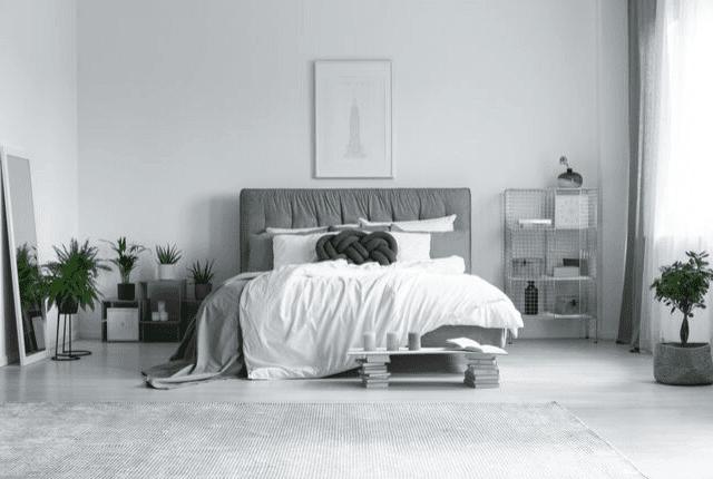 מזרון זוגי בחדר שינה מעוצב