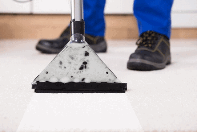 ניקוי שטיחים מקיר לקיר, מכונת מיוחדת לניקיון, שואב שטיחים
