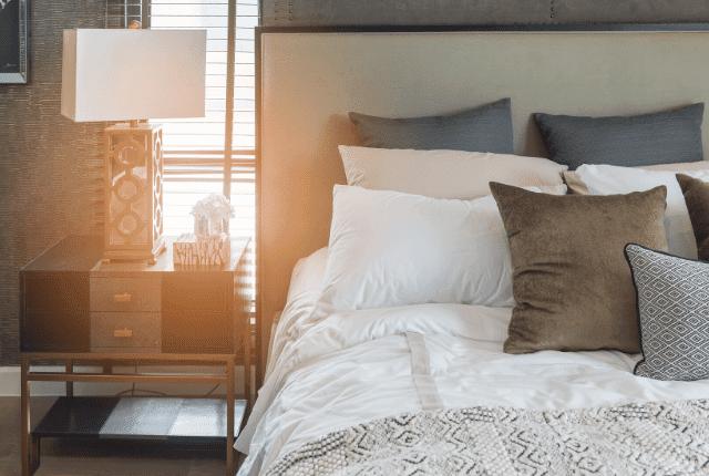 מזרון נקי, כריות, חדר שינה מסודר