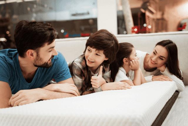 מזרון, משפחה, חדר שינה