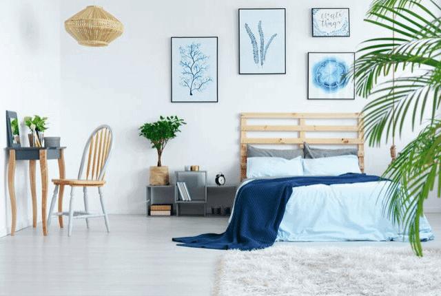 חדר שינה מעוצב יפה, מיטה זוגית מפנקת, מזרון נקי