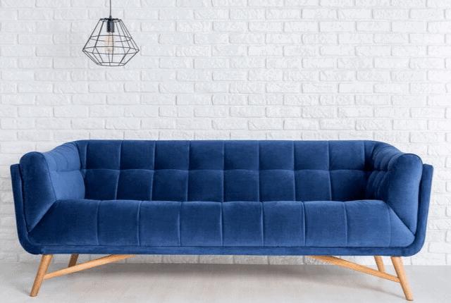 ספה כחולה, מנורה